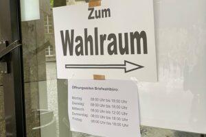 """Zum Wahlraum"" (Briefwahlbüro Bochum)"